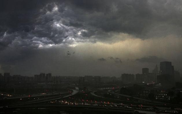 Pană de curent, urmată de o furtună teribilă