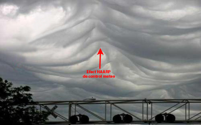 Imagine surprinsă de un amator, înainte de formarea unei super furtuni într-o localitate în care nu a avut loc nici un fenomen extrem timp de peste 100 de ani!