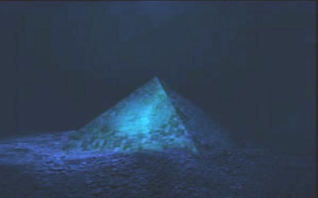 5. Piramida-Triunghiul-Bermudelor
