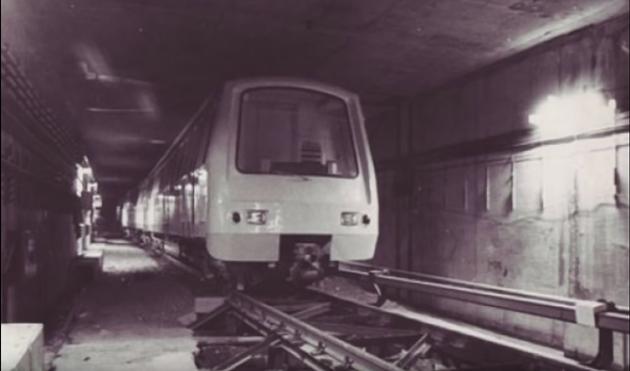 Buc 11 - Linie de metrou Casa poporului - Aeroport
